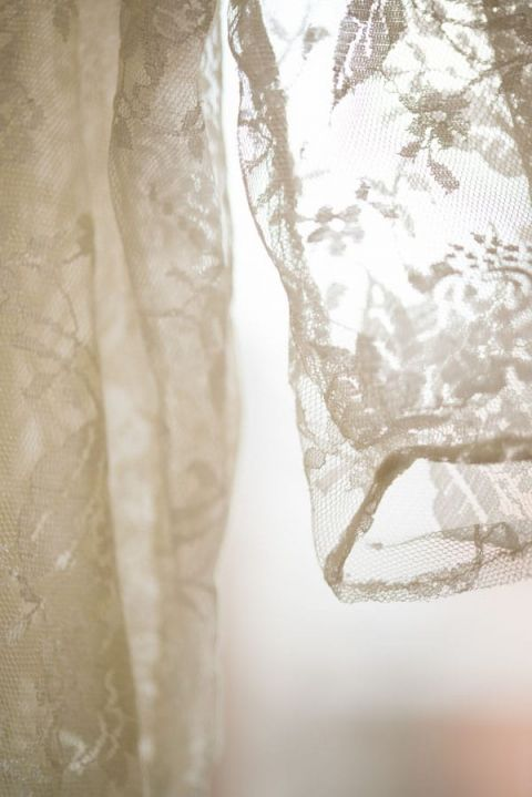 Delicate Lace Sleeves | soundslikeyellowphotography