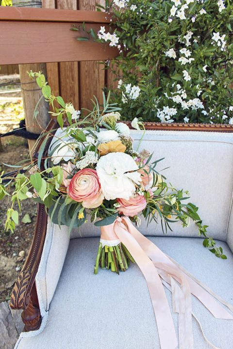Peach and White Bouquet | Sweet Summer Citrus from the Bloom Workshop!