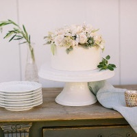 Petite Wedding Cake topped with Fresh Flowers | Danielle Poff Photography | Rustic Sophistication Wedding Shoot in Wine Country