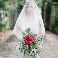 Downton Abbey Inspired Bride with a Juliet Cap | Maria Lamb Photography | Gracious Villa Wedding in the Heart of Tuscany