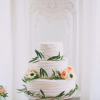 Floral Wreath Wedding Cake | Jessica Peterson Photography | Wedding Styling Spotlight on Michelle Leo Events