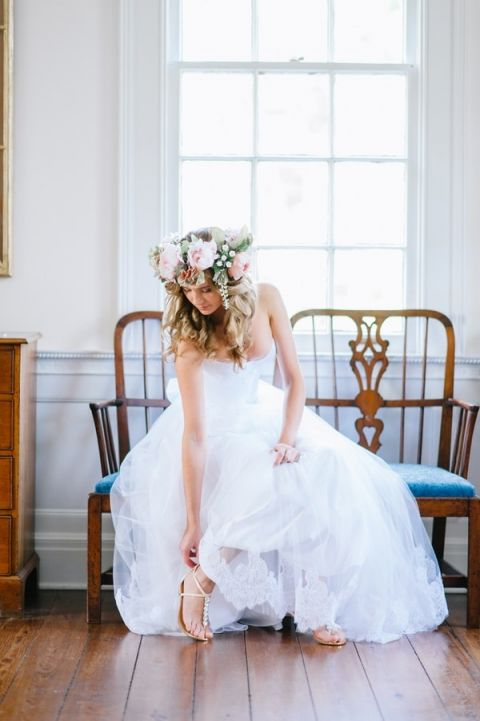 Relaxed Preppy Bride Getting Ready   Pasha Belman Photography   Intimate Peony Pink Wedding in the South