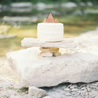 Terra Cotta Cake Topper | Kristen Kilpatrick Photography | In the Golden Light of Summer Wedding