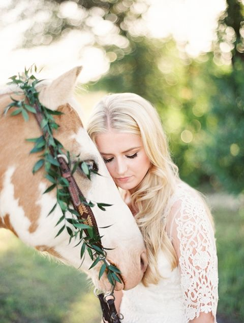 Gorgeous Bride and a Palomino Horse   Kristen Kilpatrick Photography   In the Golden Light of Summer Wedding