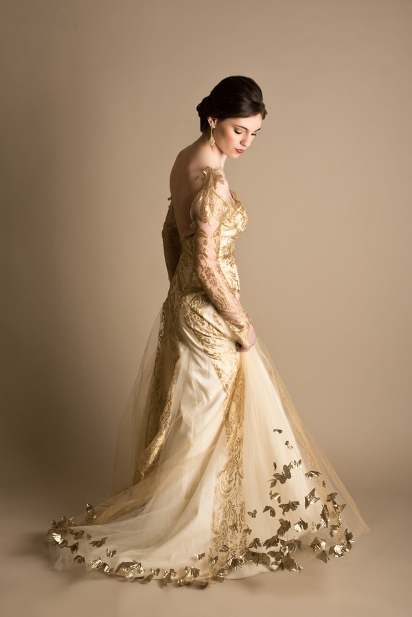dramatic bridal styling in red white and gold hey