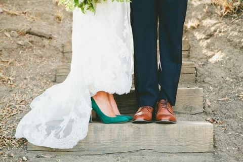 Chic Green and White Wedding Style