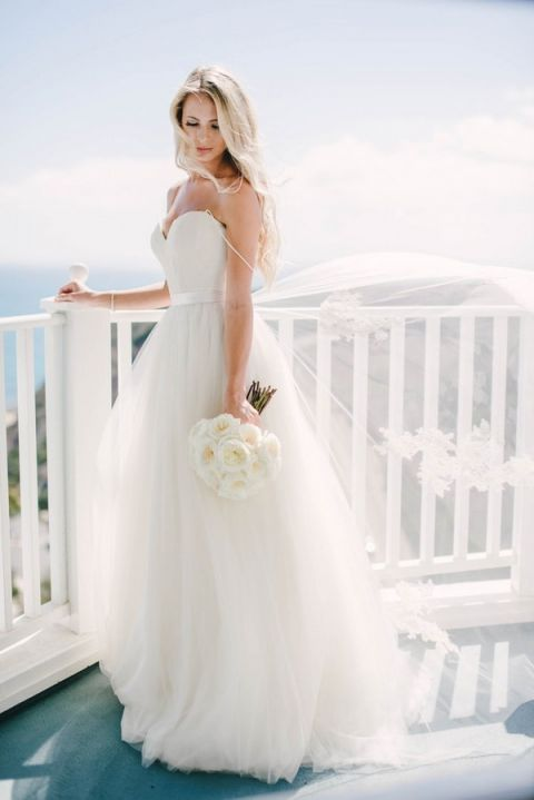 The Perfect Wedding Dress for a Beach Bride - Hey Wedding Lady