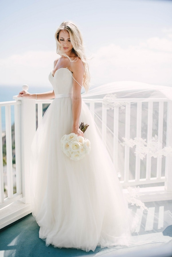 The perfect wedding dress for a beach bride hey wedding lady for How to find the perfect wedding dress