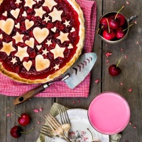 Retro Pie Wedding Inspired by the Waitress Musical!