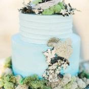 Shell and Moss Coastal Wedding Cake | Luna de Mare Photography | Glam Beach Bride