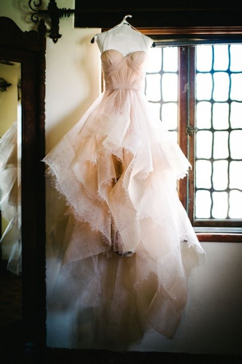 Laser Cut Reem Acra Wedding Dress | Hanna Arista Photography | Fall 2015 Wedding Colors in Taupe, Mauve, and Dusty Rose