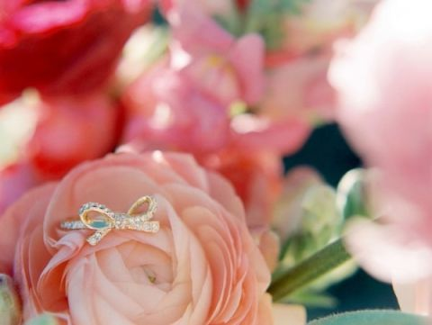 Gold Bow Ring | Sara Hasstedt | Preppy Pink and Gold Kate Spade Bride