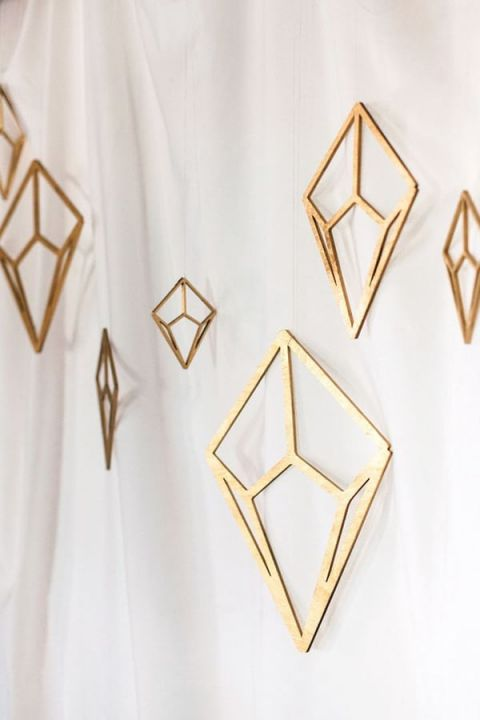 Modern Metallic Backdrop | Renee Nicole Photography | Modern Gemstone Wedding Ideas