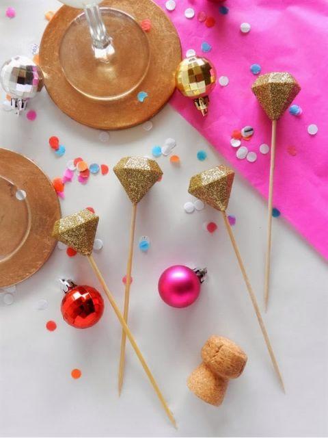 Gold Glitter Gem Cocktail Stirrers | SAS+ROSE | Modern Gemstone Wedding Ideas