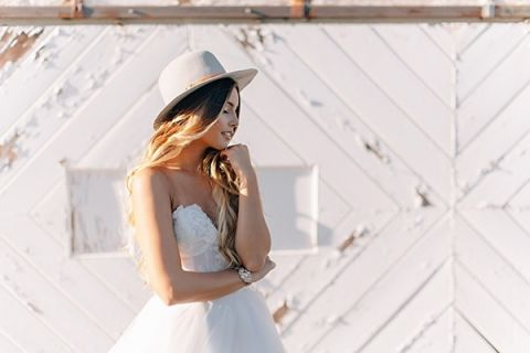Perfect for a Ranch Wedding! | K. Holly Photography | Modern Bridal Glam from Hayley Paige and Haute Bride!