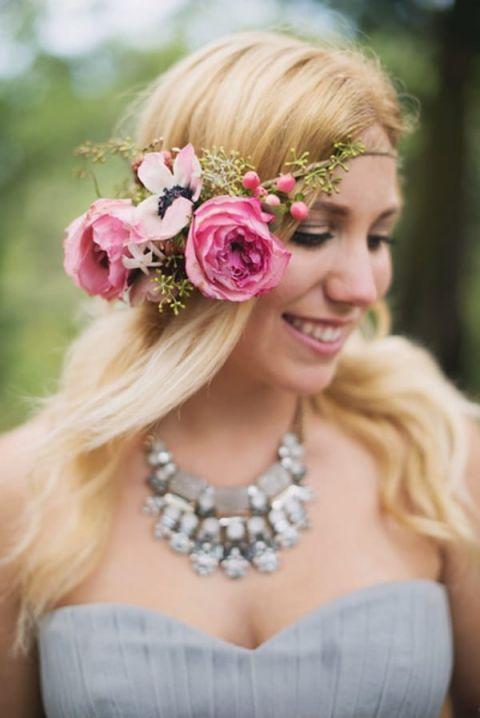 Beautiful Rustic Glam Bride | Summer Shea Photography | https://heyweddinglady.com/romantic-mountain-wedding-shoot-lilac-gray-pink/