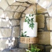 Enchanted Garden Wedding Cake | Jennifer Munoz Photography | https://heyweddinglady.com/garden-romance-rose-quartz-serenity/