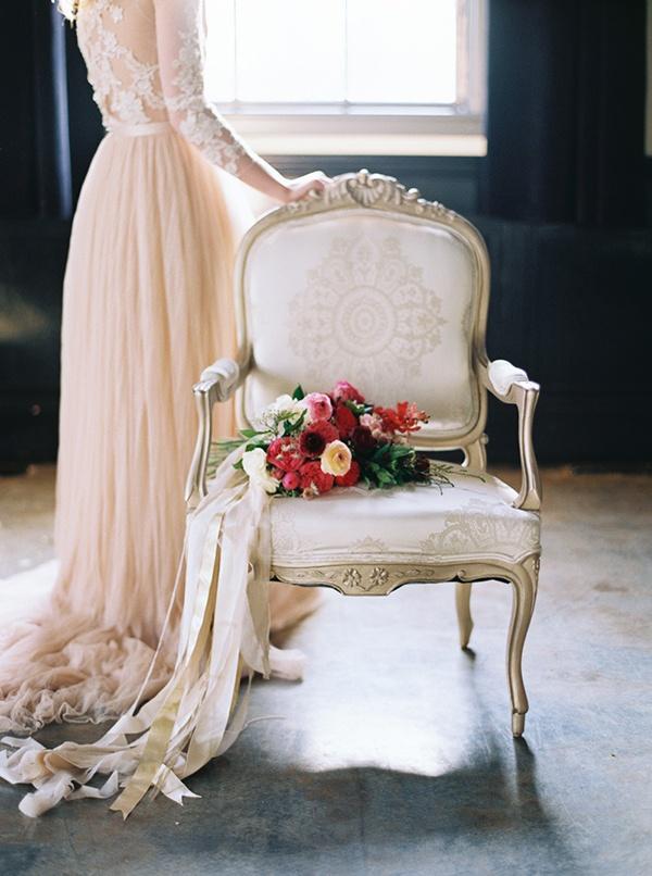 unique wedding dress display ideas