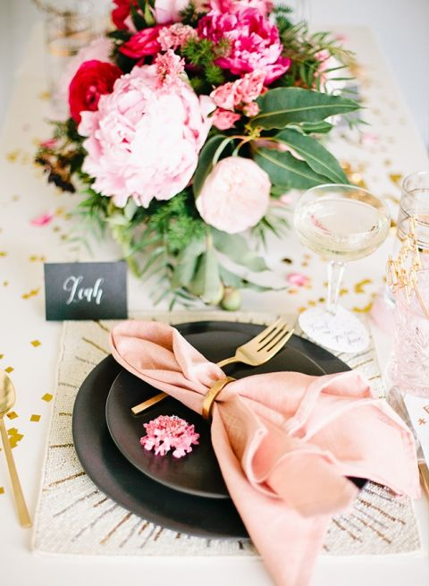 Pink and Gold Glitter Starburst Place Setting | Megan Welker Photography - https://heyweddinglady.com/whimsical-glam-wedding-inspired-hayley-paige