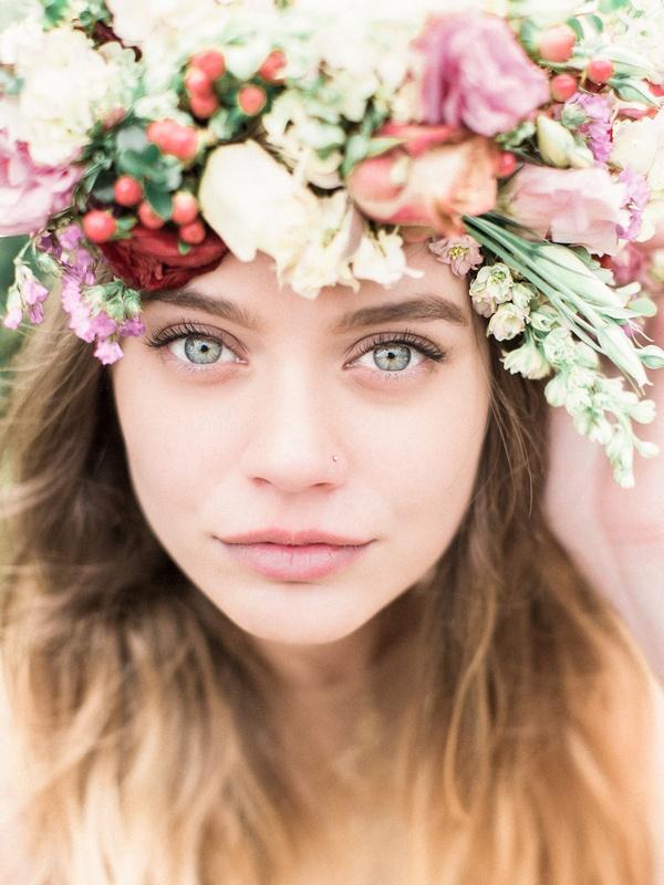 Makeup For Garden Wedding : A Winter Garden Bridal Shoot with a Gold Wedding Dress ...