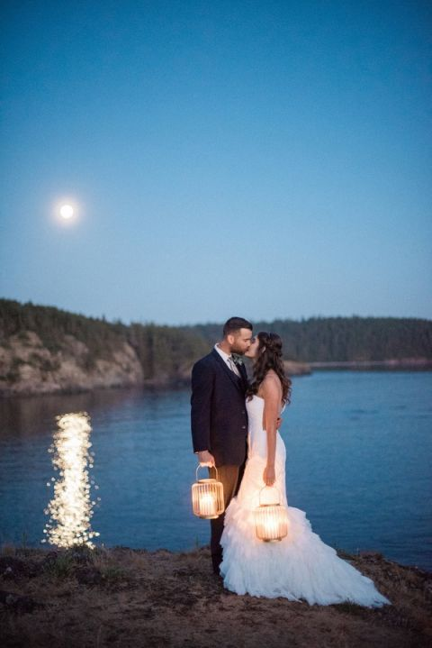 Stephen Yearick Wedding Gowns 89 Lovely Glowing Lanterns for a