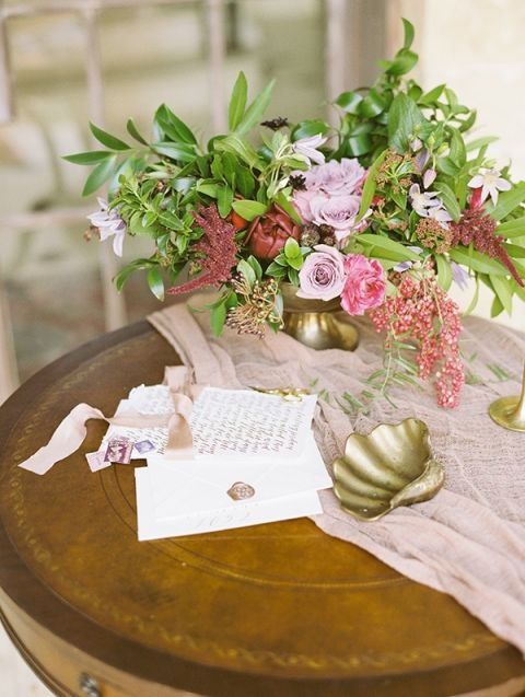 Vintage Love Letter Wedding in Berry and Champagne - Hey Wedding Lady