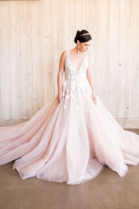 Styling a Modern Bridal Tiara with a Blush Wedding Dress - Hey ...