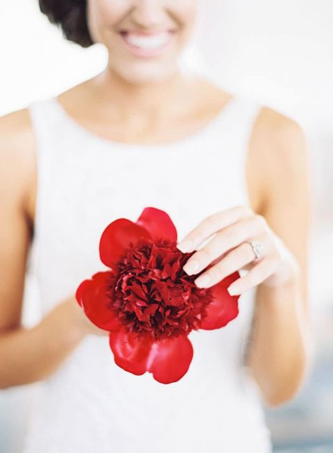 Chic Modern Bride with a Brilliant Red Peony