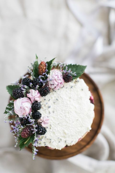 Simple Lavender and Blackberry Cake in Shades of Purple