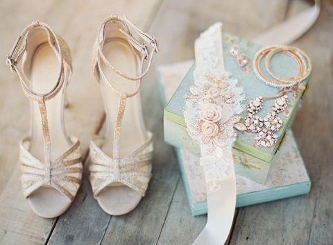 Sparkling Bridal Shoes and Rose Gold Jewelry