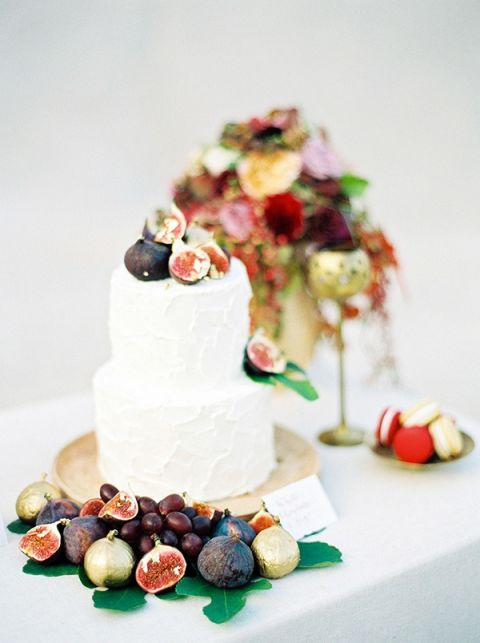 fall wedding cake flavors. figs and gold for a fall wedding cake flavors