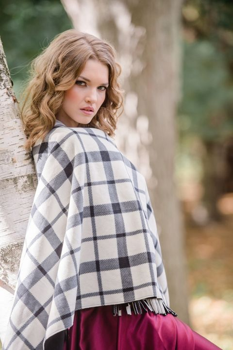 Black and White Check Throw for a Fall Wedding