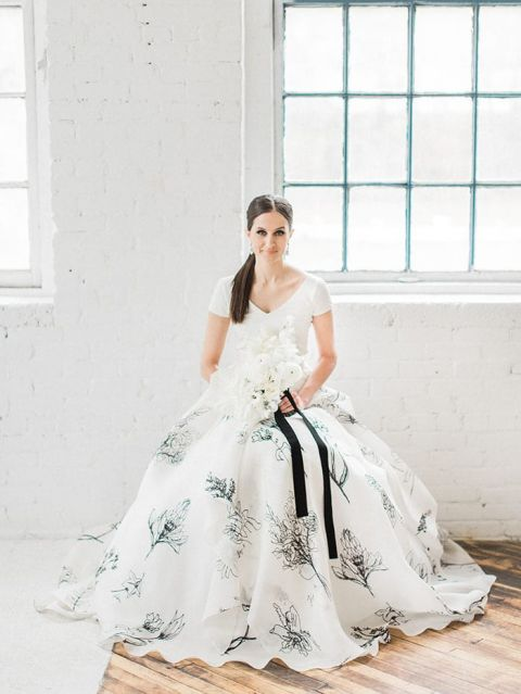 White Wedding Dress With Black 4 Simple Chic Black and White