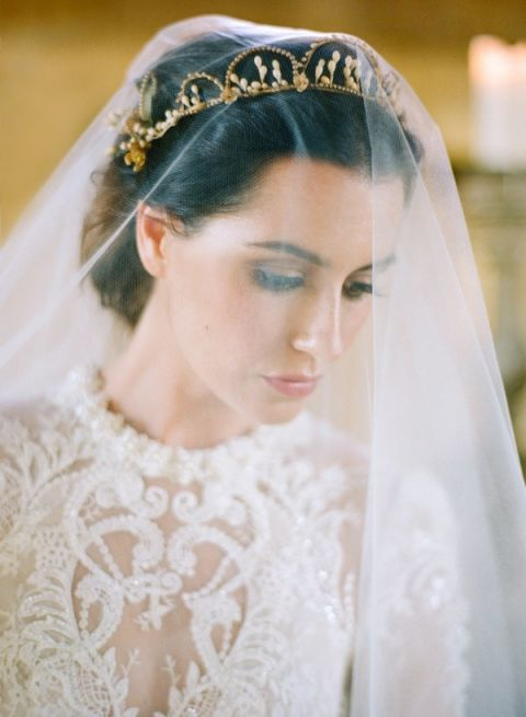 Drop Veil with a Vintage Bridal Crown
