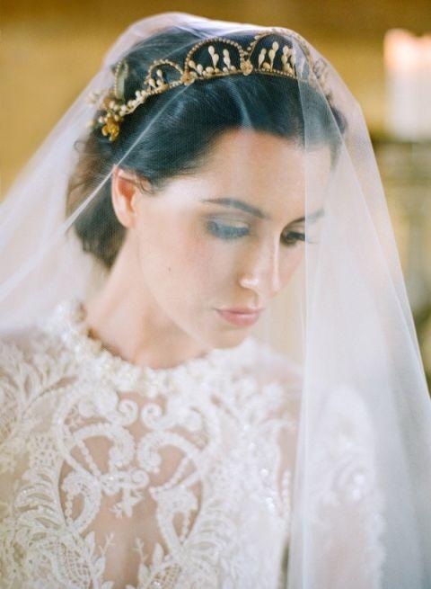 Drop Veil with a Vintage Bridal Crown