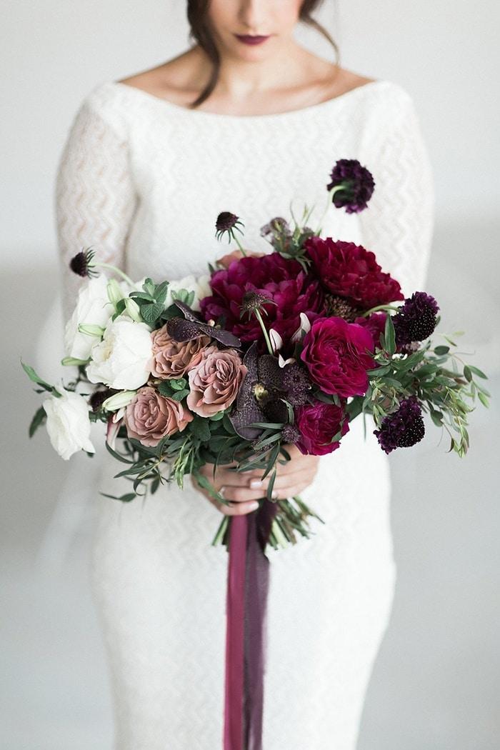Moody Beauty For Fall Bridal Style Hey Wedding Lady
