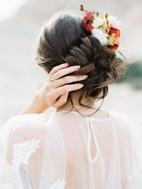Romantic Bridal Bun Hairstyle with Autumn Flowers