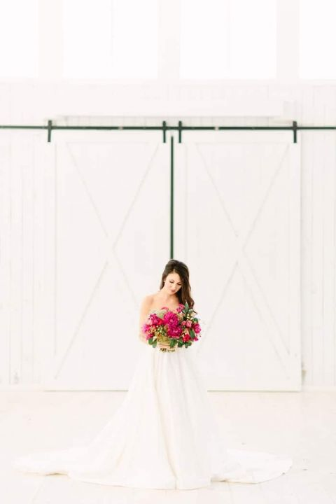 Gorgeous Southern Bridal Portraits at The White Sparrow Barn