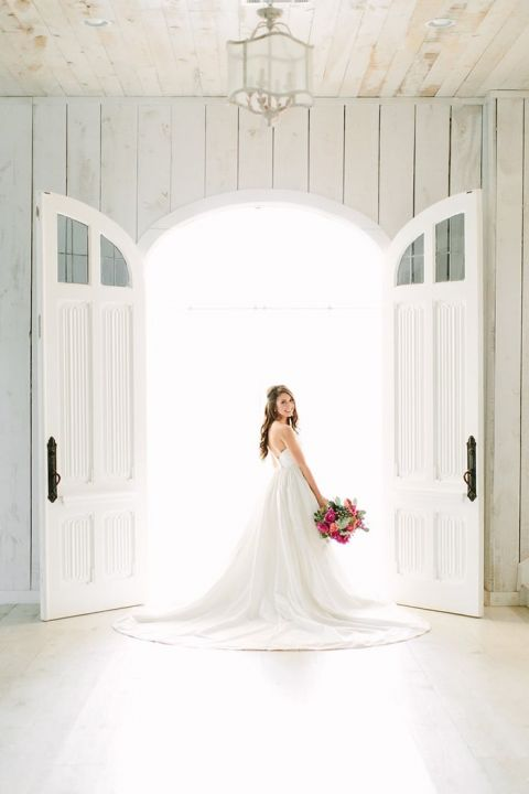 Elegant Barn Doors for a Gorgeous Bridal Photo Session
