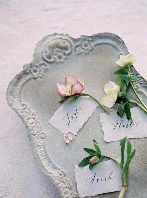 Vintage and Romantic Floral Details