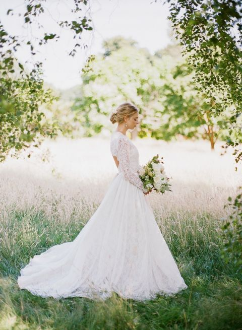 Romantic Lace Wedding Gown with Long Sleeves