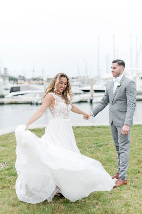 A Natural Glam Wedding Day on the Water