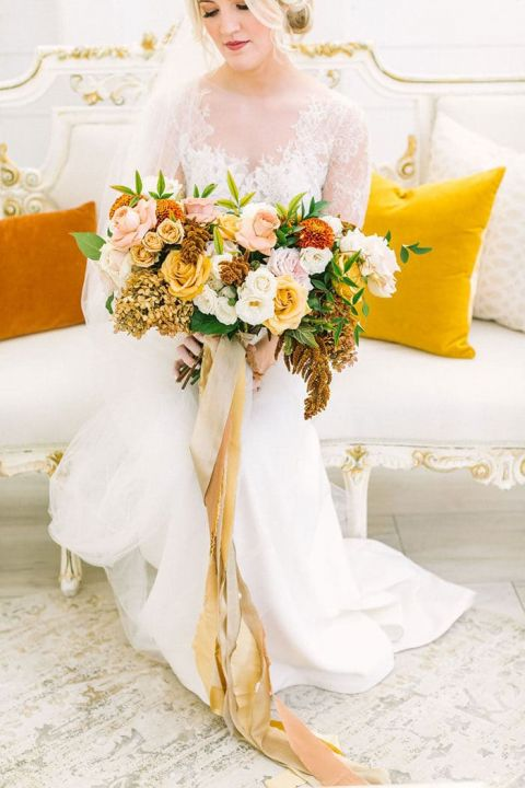 Shades of Gold for a Rustic Elegance Bouquet
