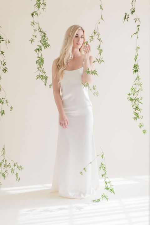 Minimalist Beauty for a Simply Stunning Bridal Look