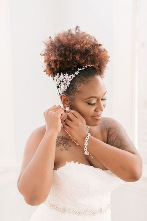 Gorgeous Bride Getting Ready for her Wedding Day
