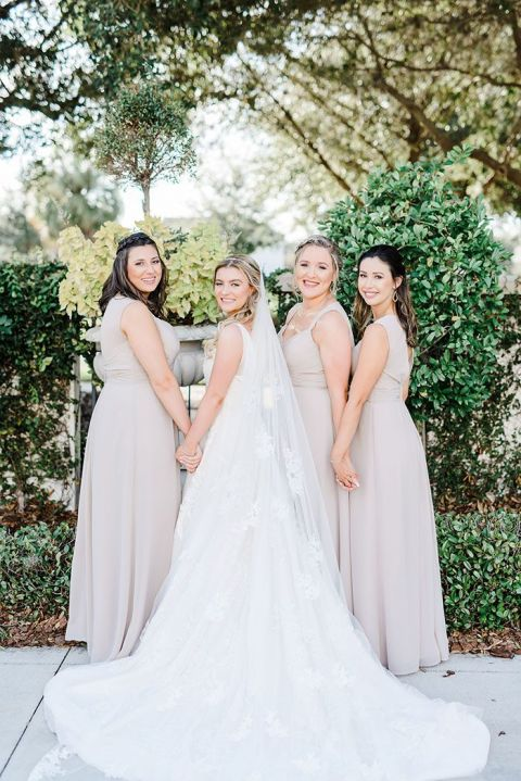 Geometric Details Give This Garden Wedding Modern Vibes Hey