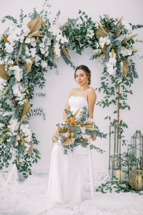 Honey And Sage Bohemian Style With A Simple Wedding Dress Hey Wedding Lady