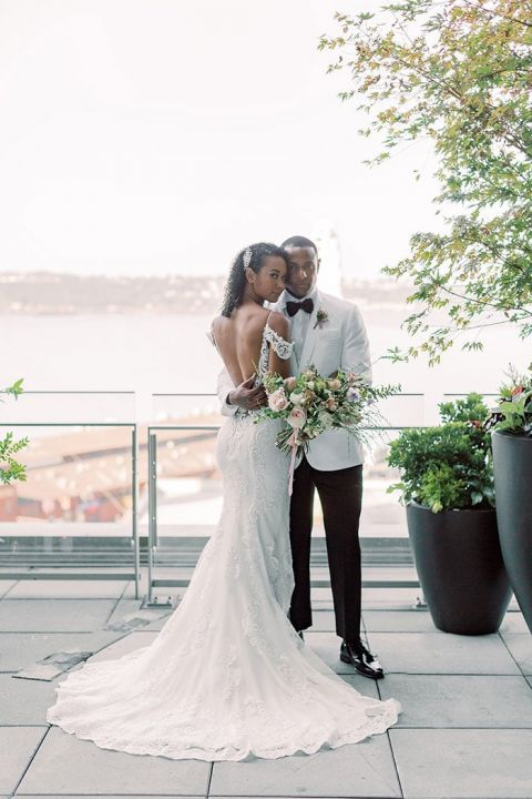 Seattle Rooftop Wedding Shoot with Romantic Seattle Skyline Views